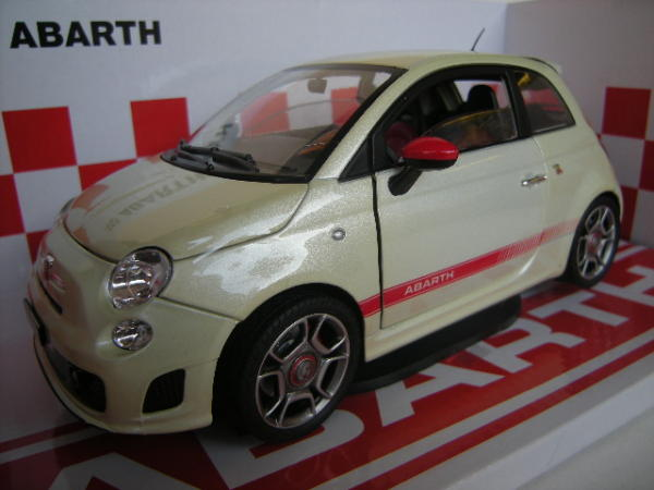 Scala 1 18 mondo motors mod fiat 500 nuova abarth for Modelli 500 abarth